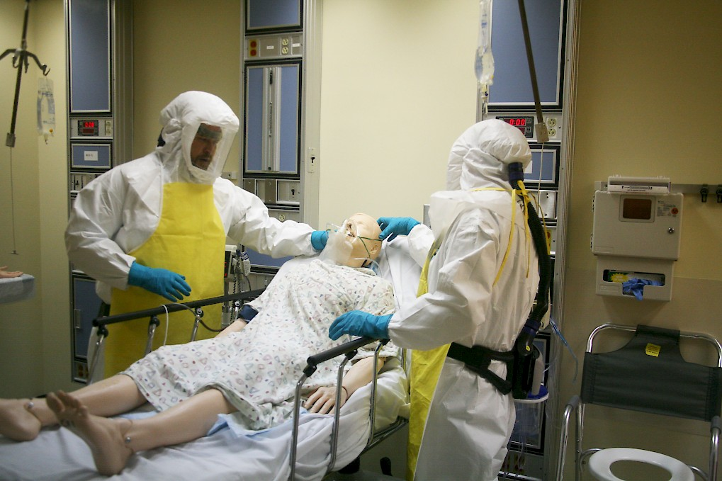 Courses That Mirror Real-World Ebola Outbreak