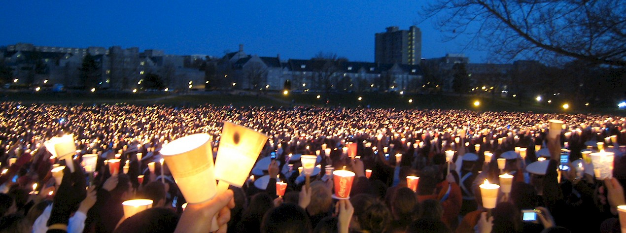 2007 Virginia Tech massacre candlelight vigil. Source: Anonymous contributor/public domain.